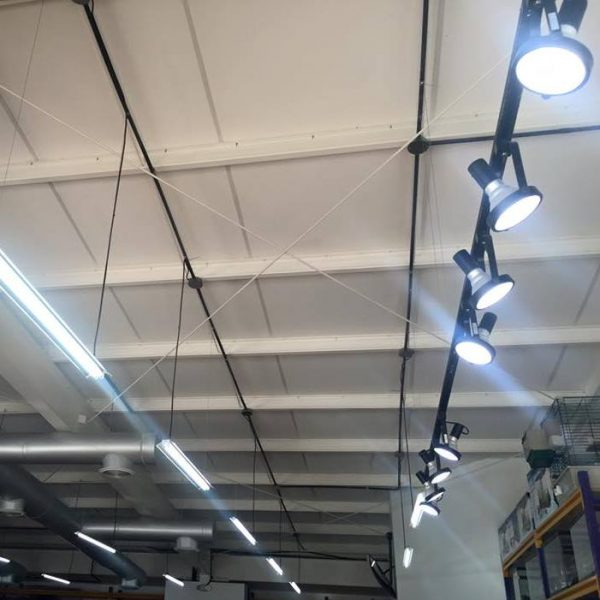 Lamparas para tiendas iluminacion led instalacion - Catalogo de luminarias para interiores ...